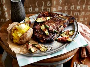 Gefüllte Schinken-Jalapeños mit T-Bone-Steak und BackKartoffeln Rezept
