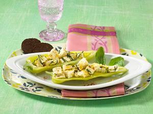 Gefüllte Spitzpaprika mit Schafskäse (Diät) Rezept