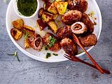 Gefüllte Tapas-Frikadelle mit Ofenkartoffeln und Mojo Rezept