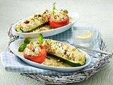 Gefüllte Tomate und Zucchini mit Feta und Reisnudeln Rezept