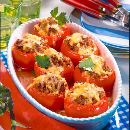 Gefüllte Tomaten mit Hack und Käse überbacken Rezept