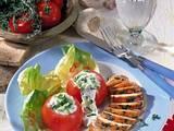 Gefüllte Tomaten mit Tsatsiki-Salat und Hähnchenfilet Rezept