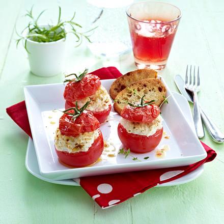 Gefüllte Tomaten mit Ziegenfrischkäsecreme Rezept