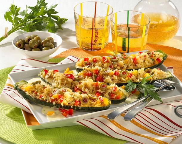 Gefüllte Zucchini mit Paprika-Reis Rezept