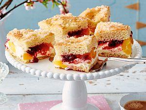 Gefüllter Butterkuchen mit Aprikosen & Preiselbeeren Rezept