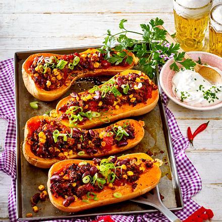 Gefüllter Butternusskürbis alla Chili con carne Rezept