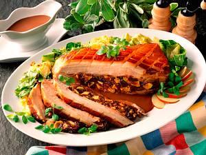 Gefüllter Schweinebauch mit Portweinsoße  Rezept