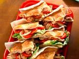 Gefülltes Fladenbrot mit Thunfisch, Zwiebeln und Tomaten Rezept