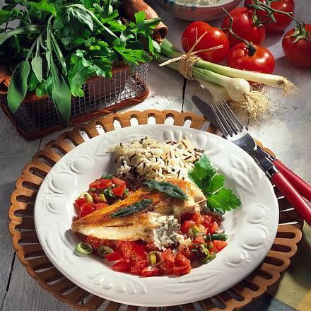 Gefülltes Hähnchenfilet auf Tomaten Rezept