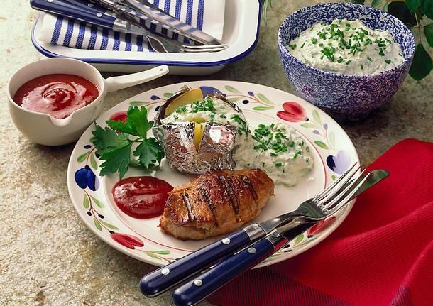 Gefülltes Kotelett mit gebackener Kartoffel Rezept