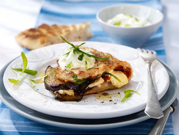Gefülltes Putenschnitzel mit Fetakäse, Auberginen und Estragon mit Joghurt-Knoblauch-Dip Rezept
