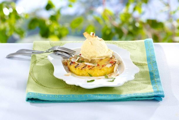 Gegrillte Ananas mit Chili und Vanilleeis Rezept