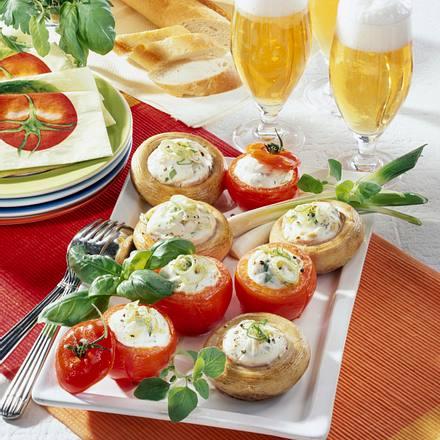 Gegrillte Champignons und Tomaten mit Käse Rezept