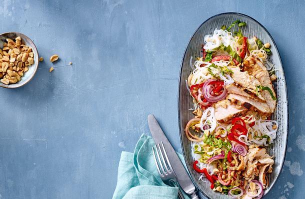 Gegrillte Hähnchenbrust mit Thai-Nudelsalat von Christina Richon Rezept