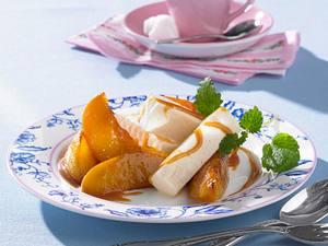 Gegrillte Pfirsiche mit Joghurteis Rezept