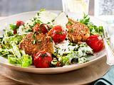 Gegrillte Quinoa-Frikadelle mit Salat Rezept