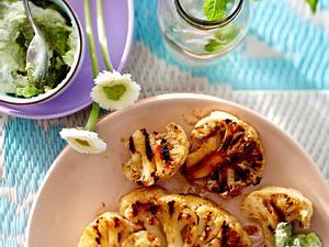 Gegrillter Blumenkohl mit Avocado-Minz-Remoulade Rezept