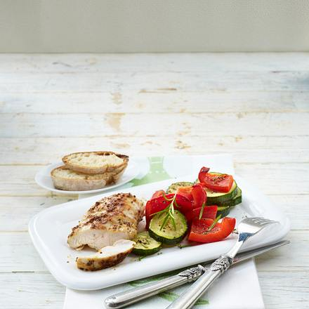 Gegrilltes Hähnchenfilet mit Sommergemüse Rezept