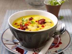 Gelbe Paprikasuppe mit Chorizowurst Rezept