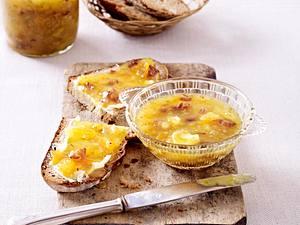 Gelbe Tomatenkonfitüre mit Datteln und Akazienhonig Rezept