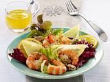 Gemischter Blattsalat mit Riesengarnelen und Orangen-Vinaigrette Rezept