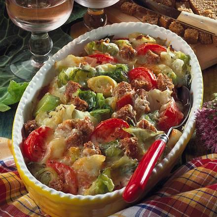 Gemüse-Auflauf mit Brot Rezept