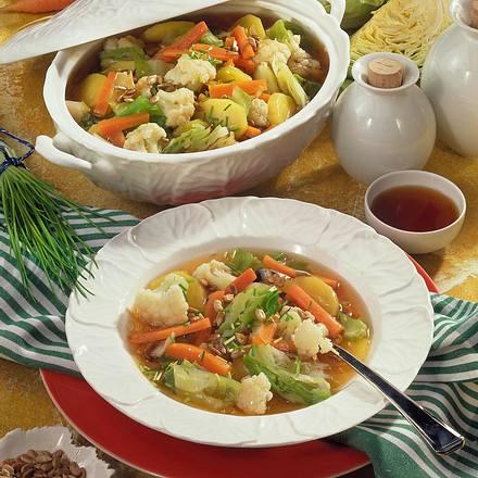 Gemüse-Eintopf in Soja-Brühe Rezept