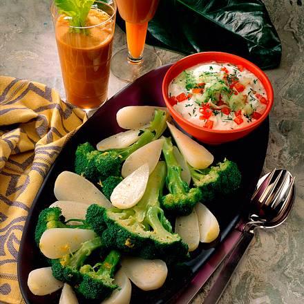 Gemüse mit Dip und Drink Rezept