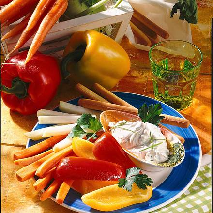 Gemüse mit Frischkäse-Dip Rezept