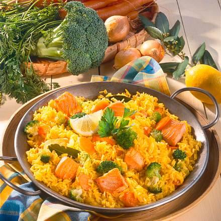 Gemüse-Paella mit Lachs Rezept