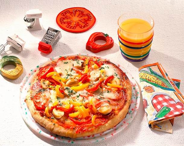 Gemüse-Pizza mit Mozzarella Rezept