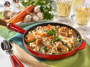 Gemüse-Reispfanne mit Brätbällchen Rezept