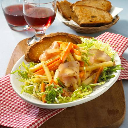 Gemüse-Salat mit Putenbrust Rezept