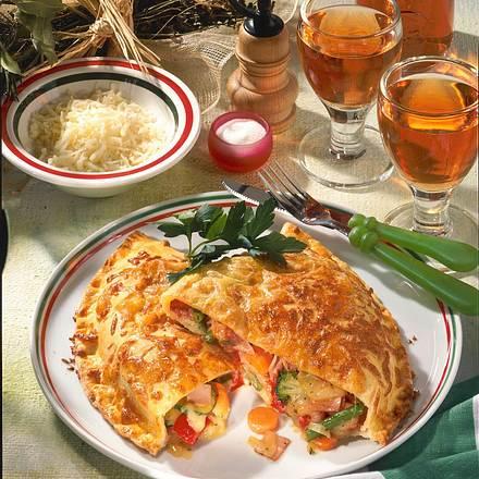 Gemüse-Schinken-Calzone Rezept