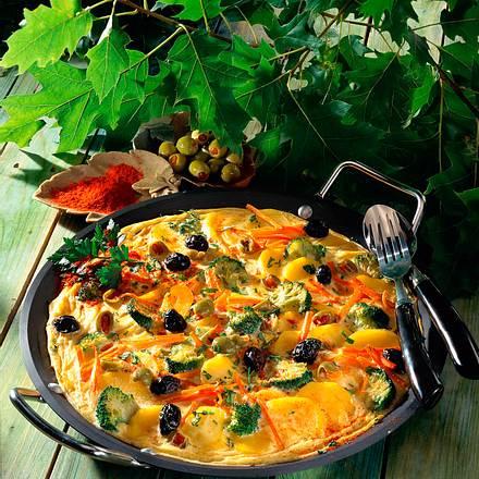 Gemüse-Tortilla mit Oliven Rezept