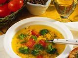 Gemüsebrühe mit Nudeln und Tomaten Rezept