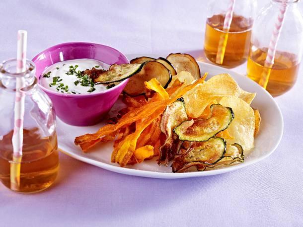 Gemüsechips mit Joghurt-Kräuter-Dip Rezept