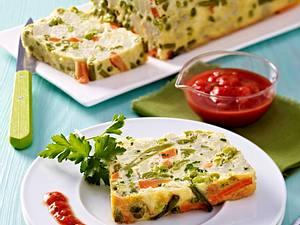 Gemüsekuchen mit feiner Tomatensoße Rezept