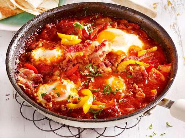 Gemüsepfanne mit Ei und Bacon Rezept