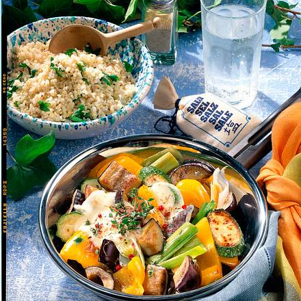 Gemüsepfanne mit Mozzarella Rezept