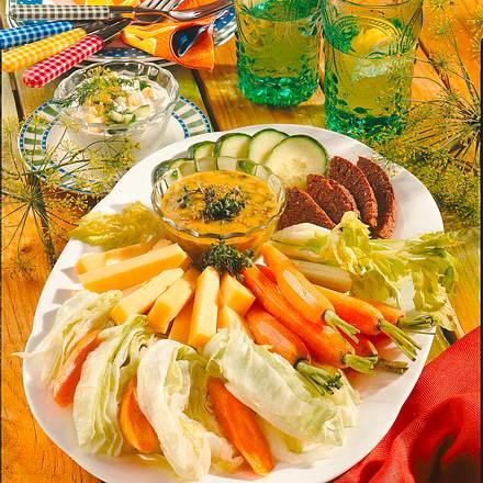 Gemüseplatte mit Dips Rezept