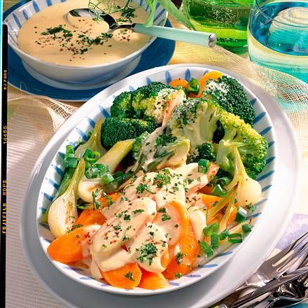 Gemüseplatte mit Käsesoße Rezept