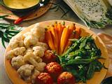 Gemüseplatte mit zweierlei Soßen Rezept