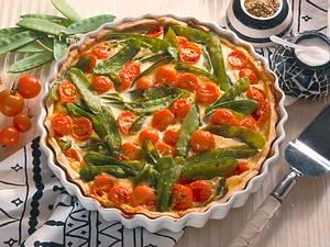 Gemüsequiche mit Zuckererbsen und Kirschtomaten Rezept