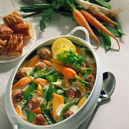 Gemüseragout mit Kerbelbrätklößchen Rezept