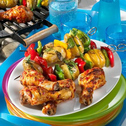 Gemüsespieße mit Hähnchenkeulen Rezept