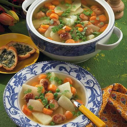 Gemüsesuppe mit Brätbällchen Rezept