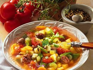Gemüsesuppe mit Brätklößchen Rezept