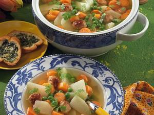 Gemüsesuppe mit Fleischklößchen Rezept
