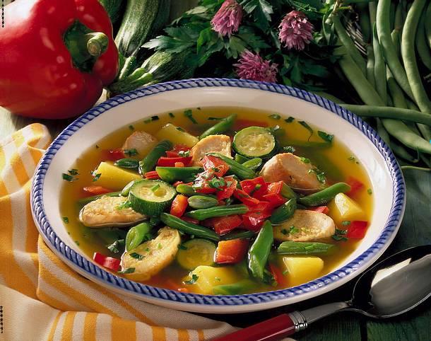 Gemüsesuppe mit Hähnchenfleisch Rezept